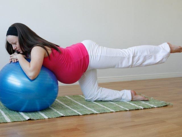 1445061402_pilates-esercizio-gravidanza