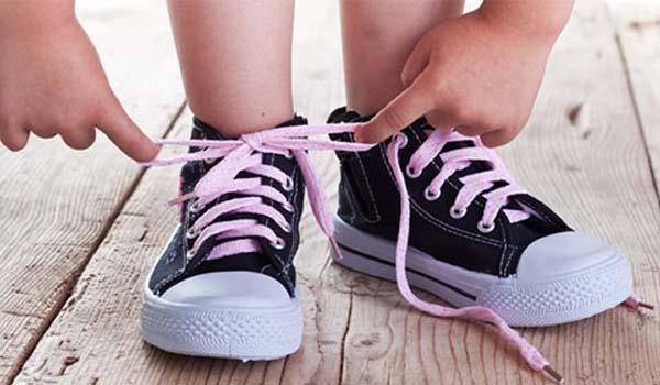 como-escolher-calcado-infantil-confortavel-moda-criancas-sortiemntos-foto-reproducao-600x350-1