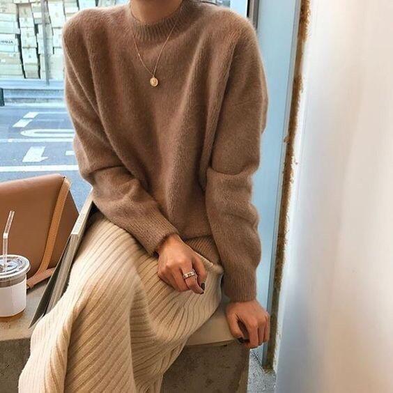 Стильный свитер, который подходит ко всему: 5 эффектных модных образов