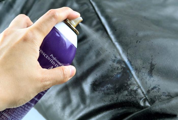 Очистка кожаных изделий от чернил.