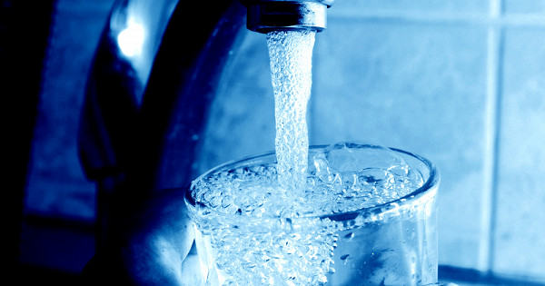 Какочистить воду безфильтра