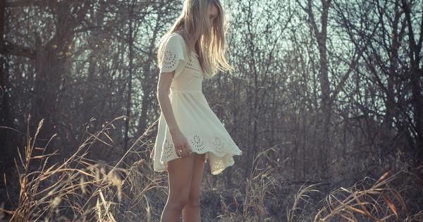 Какисчемносить платье в«деревенском» стиле: примеры сподиумов и5готовых образов