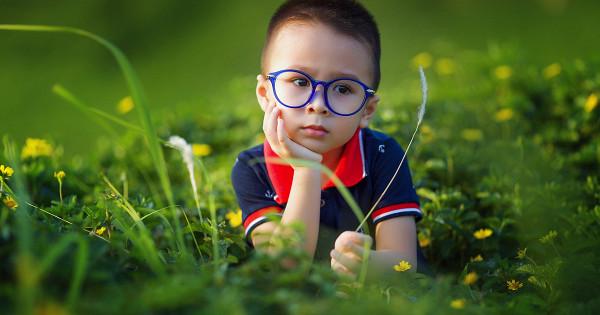 Маленькие дети судят овзрослых почертам лица