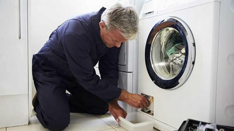 Несколько хитростей, которые помогут сохранить стиральную машинку в чистом, ухоженном и сверкающем виде!