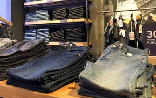 Определена оптимальная частота стирки джинсов