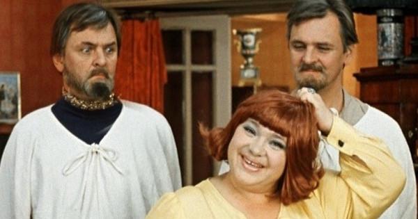 Почему советские женщины носили парики