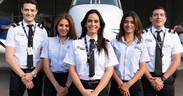 Самые красивые девушки-пилоты Инстаграма