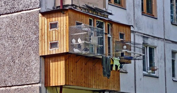 Чтороссияне хранят насвоих балконах