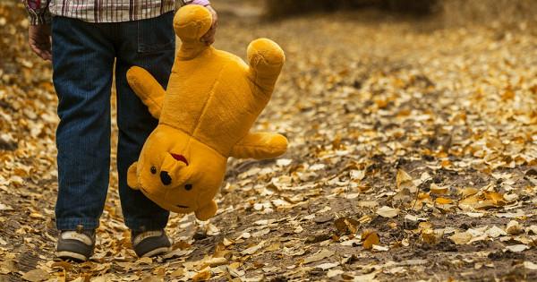 Чтоделать, если ребенок потерялся: памятка длядетей иродителей отЕвгения Комаровского