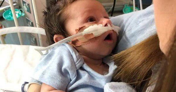 Мать ослушалась врачей испасла жизнь «сонному» ребенку